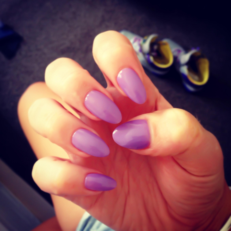 Pointed Nails Trend   Genevieve Warburton